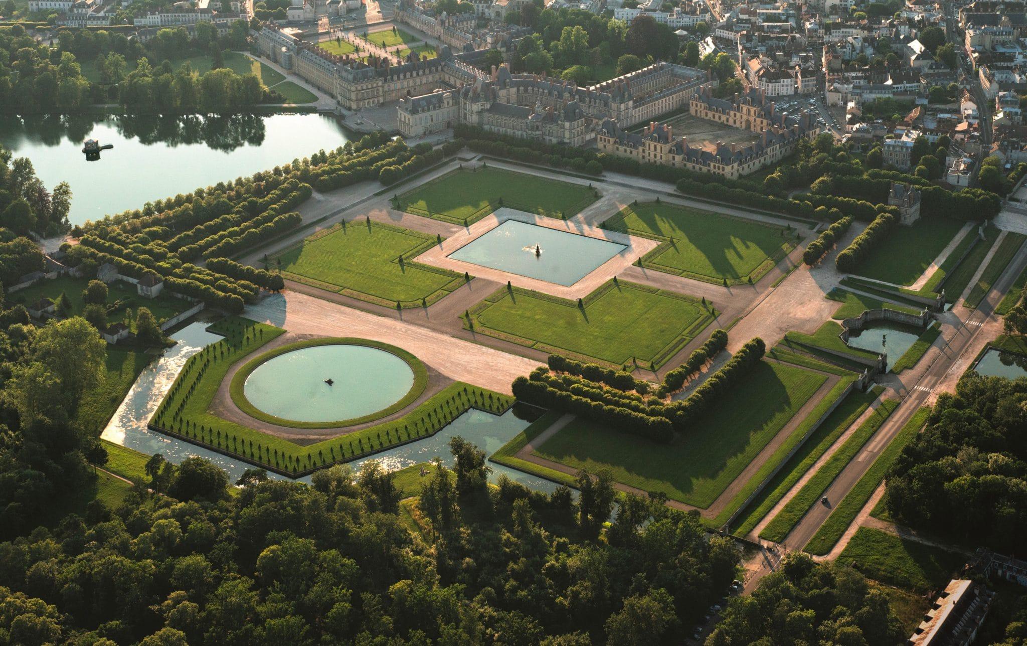 从空中俯瞰枫丹白露宫